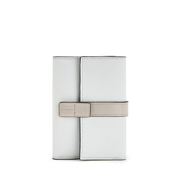 LOEWE Small Vertical Wallet Kaolin/Ghost front
