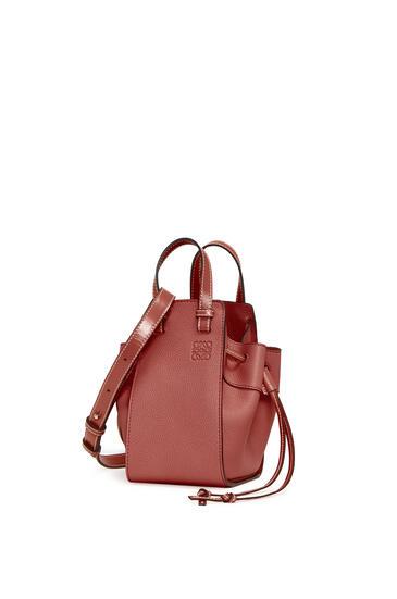 LOEWE Mini Hammock Drawstring bag in soft grained calfskin Garnet pdp_rd