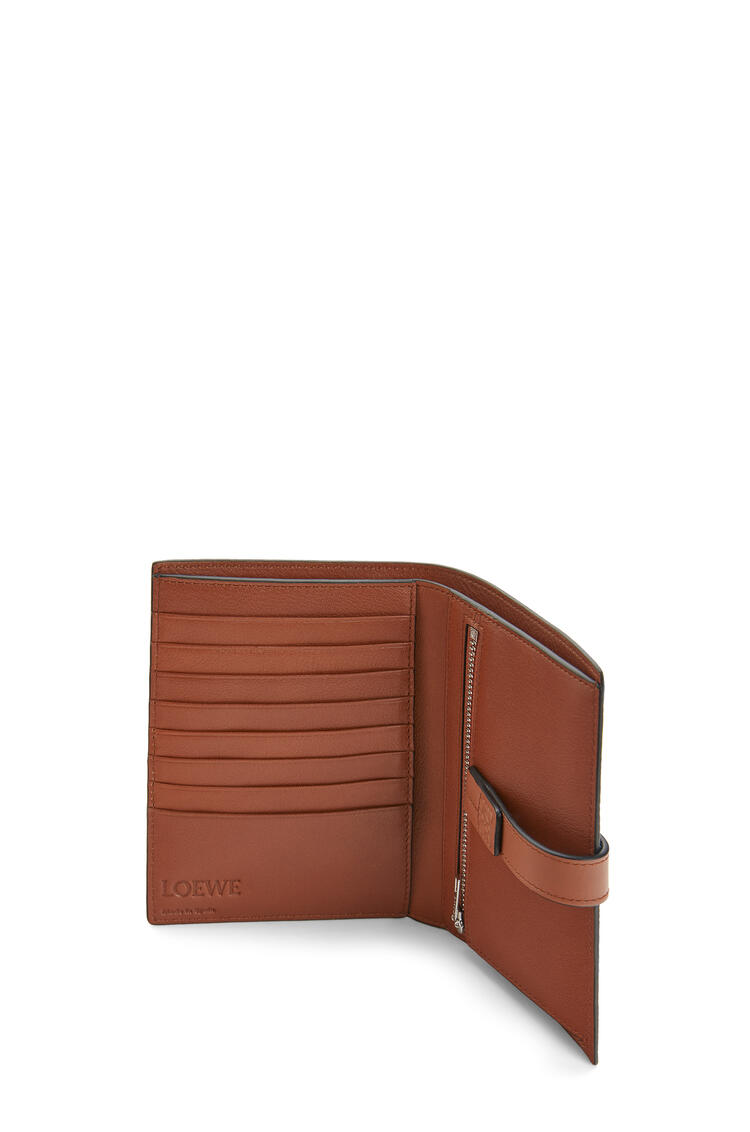 LOEWE Medium Vertical Wallet in soft grained calfskin Steel Blue/Tan pdp_rd