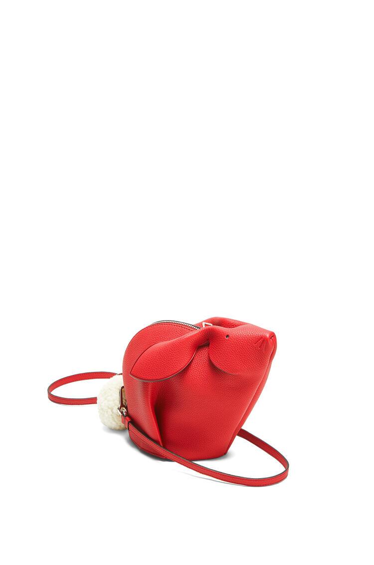 LOEWE Minibolso Bunny en piel de ternera clásica Rojo Escarlata pdp_rd