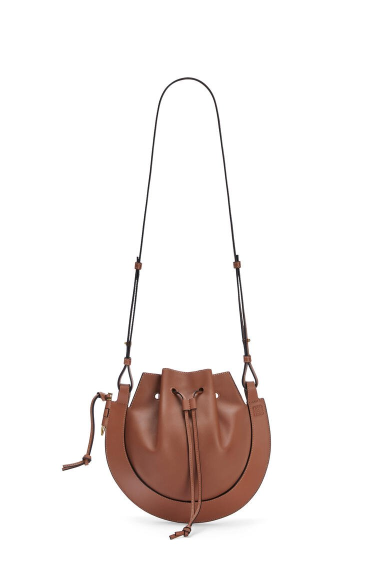 LOEWE Horseshoe bag in nappa calfskin Tan pdp_rd
