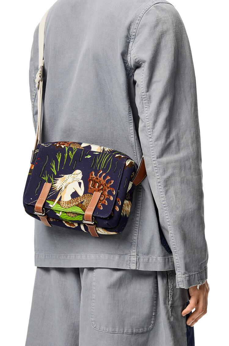 LOEWE Xs Military Messenger Bag In Mermaid Canvas And Calfskin 海水 pdp_rd