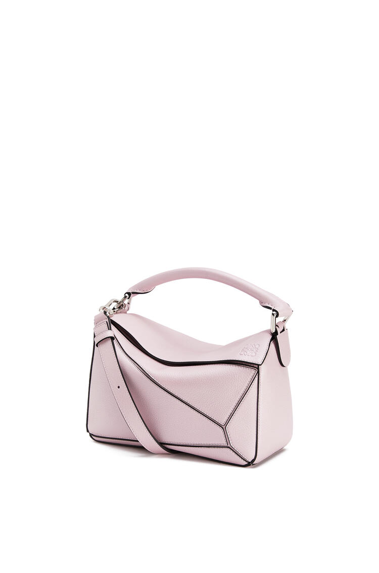 LOEWE Small Puzzle bag in pearlized calfskin Icy Pink pdp_rd
