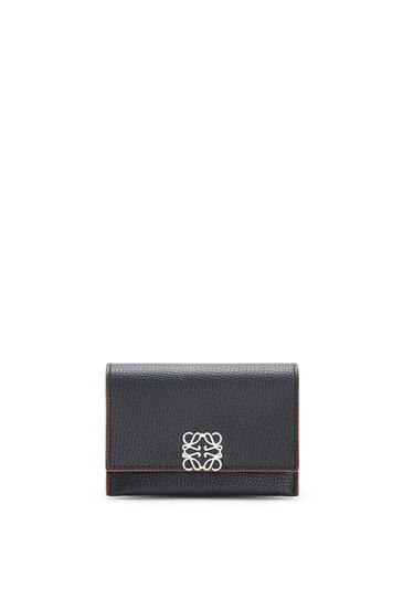 LOEWE Anagram accordion cardholder in pebble grain calfskin Black pdp_rd