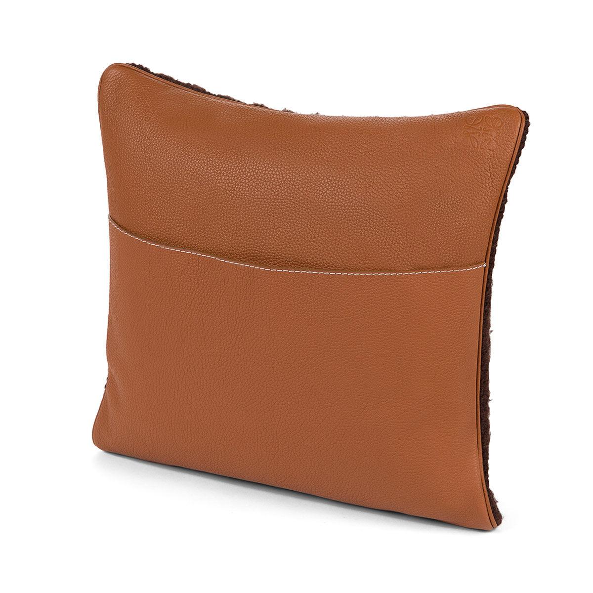 LOEWE Hand Knitted Cushion 1 40X40 Dark Brown/White all