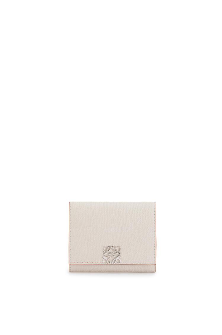 LOEWE Anagram square coin cardholder in pebble grain calfskin Light Ghost pdp_rd
