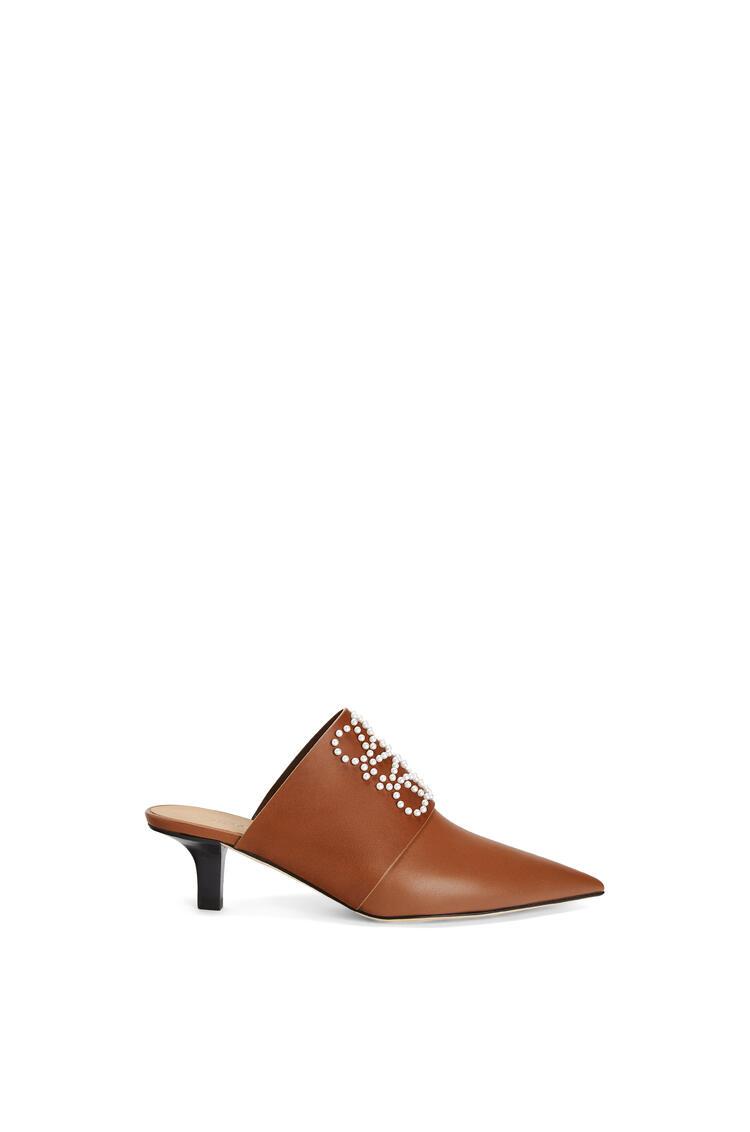 LOEWE Pointy heel mule in calfskin 棕色 pdp_rd
