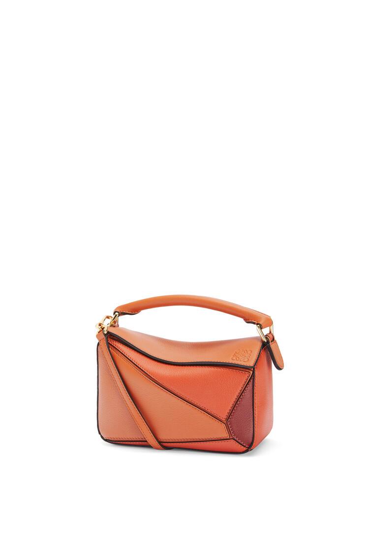 LOEWE Mini Puzzle bag in classic calfskin Spice Orange/Pumpkin pdp_rd