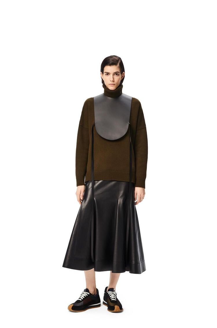 LOEWE Turtleneck sweater in cashmere Khaki Green pdp_rd