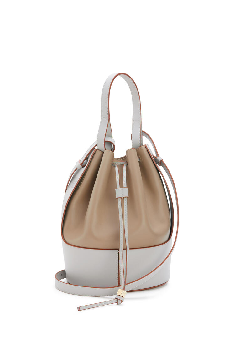 LOEWE Balloon bag in nappa calfskin Fawn/Ghost pdp_rd
