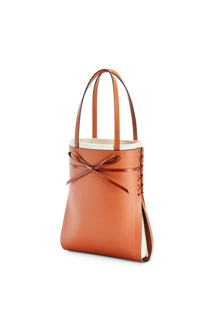 LOEWE Ikebana Tote bag in calfskin Tan pdp_rd
