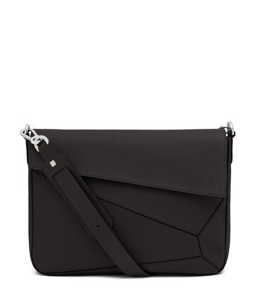 LOEWE Puzzle Messenger bag in soft grained calfskin Black pdp_rd