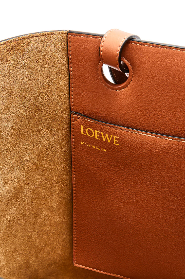 LOEWE Anagram tote bag in classic calfskin Tan pdp_rd