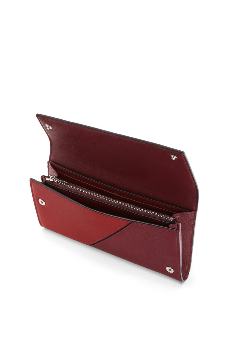 LOEWE Puzzle Continental Wallet In Classic Calfskin Wine/Garnet pdp_rd