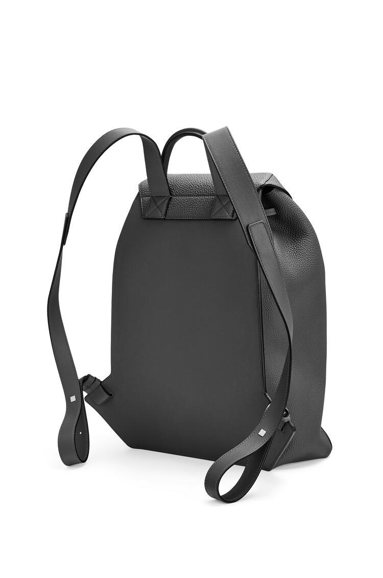 LOEWE Drawstring Backpack in grained calfskin Black pdp_rd