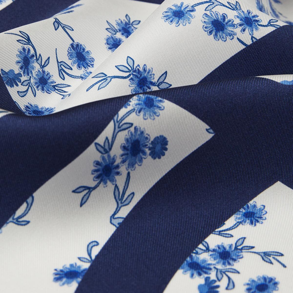 LOEWE 90X90 Flower Scarf 藍色 front