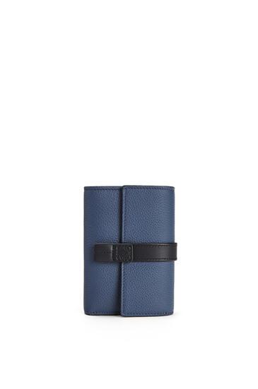 LOEWE 柔軟粒面小牛皮大號豎款錢包 靛藍色/黑色 pdp_rd