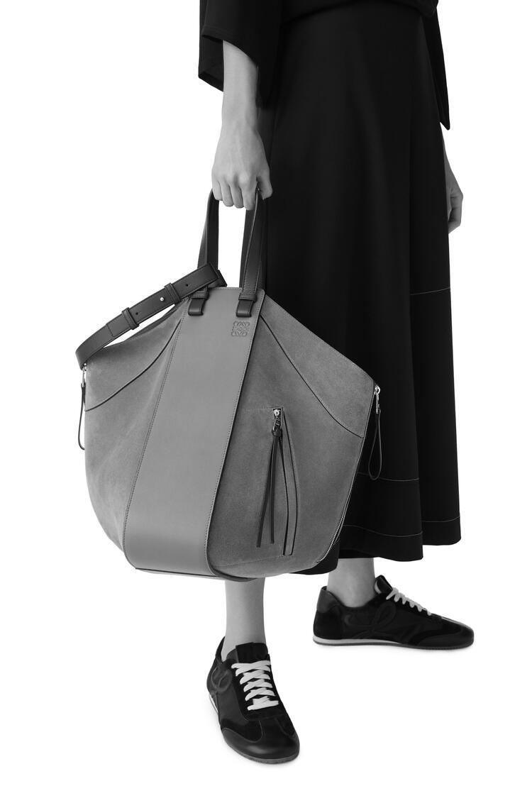 LOEWE Hammock tote bag in calfskin and suede Vintage Khaki/Black pdp_rd
